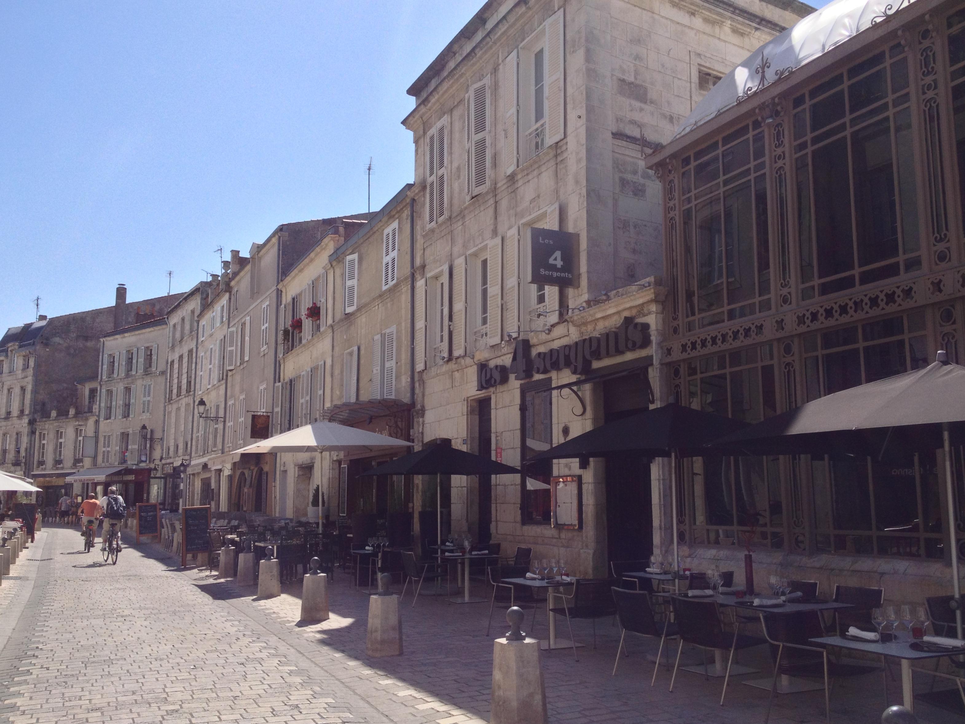 Fabuleux Vacances improvisées à La Rochelle – Lou'ise going out DP69