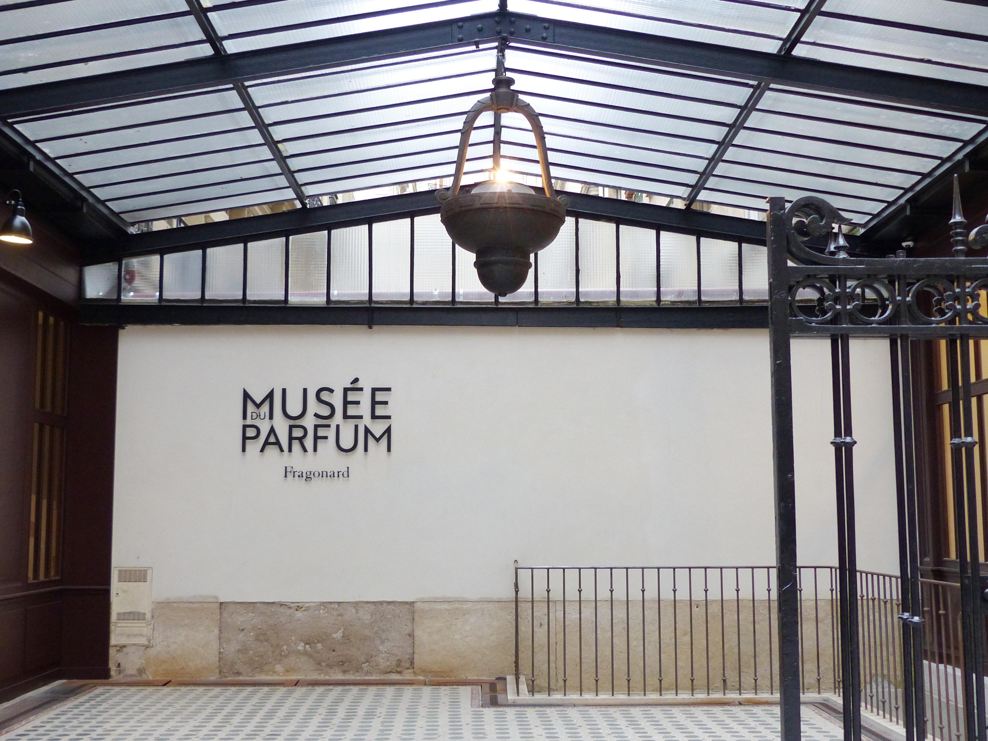 Le Musée Du Parfum Fragonard Louise Going Out