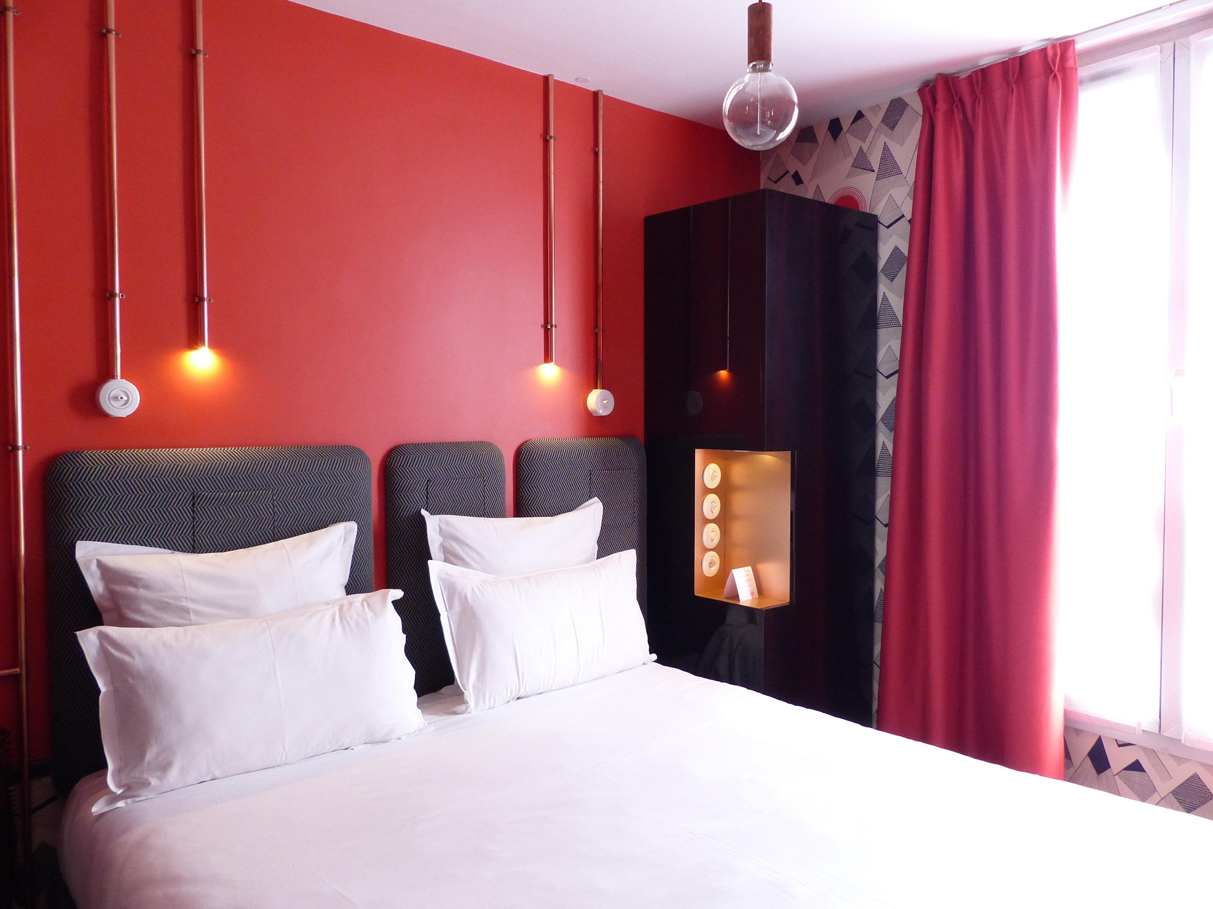 l h tel exquis paris 11e lou 39 ise going out. Black Bedroom Furniture Sets. Home Design Ideas
