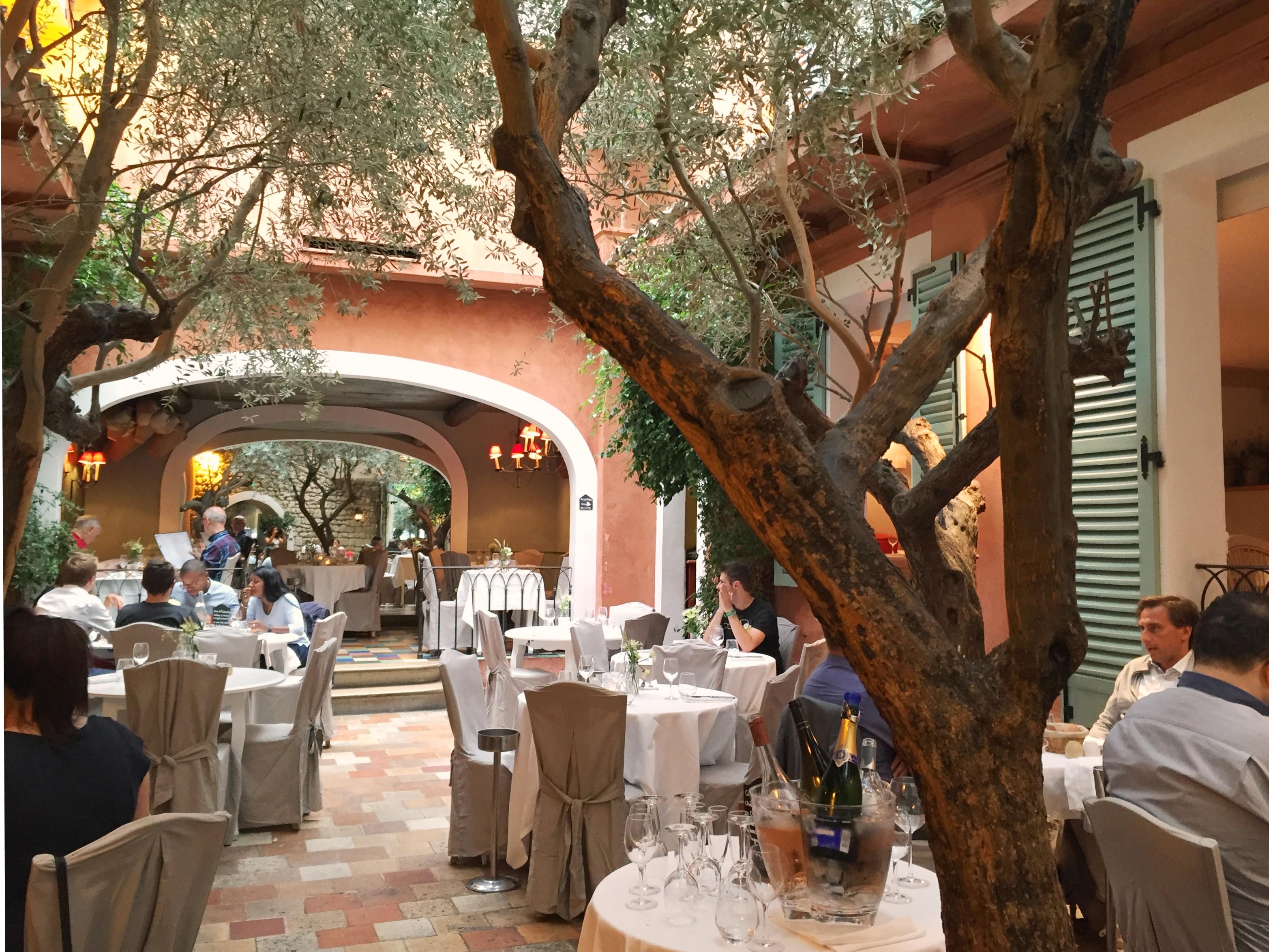 Les jolies d couvertes 2 lou 39 ise going out - Restaurant le sud paris porte maillot ...